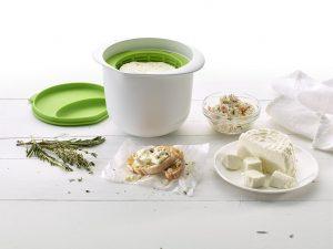 Utensile per fare il formaggio fresco in casa