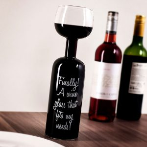 Bottiglia con calice