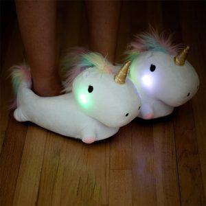 Simpatiche pantofole unicorno luminose
