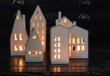 Lampada porta candele a casetta