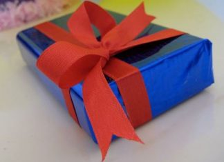 This image has an empty alt attribute; its file name is Idee-regalo-amica-324x235.jpg