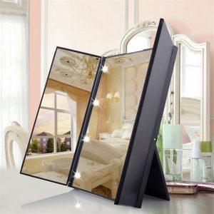 Specchio da trucco con LED